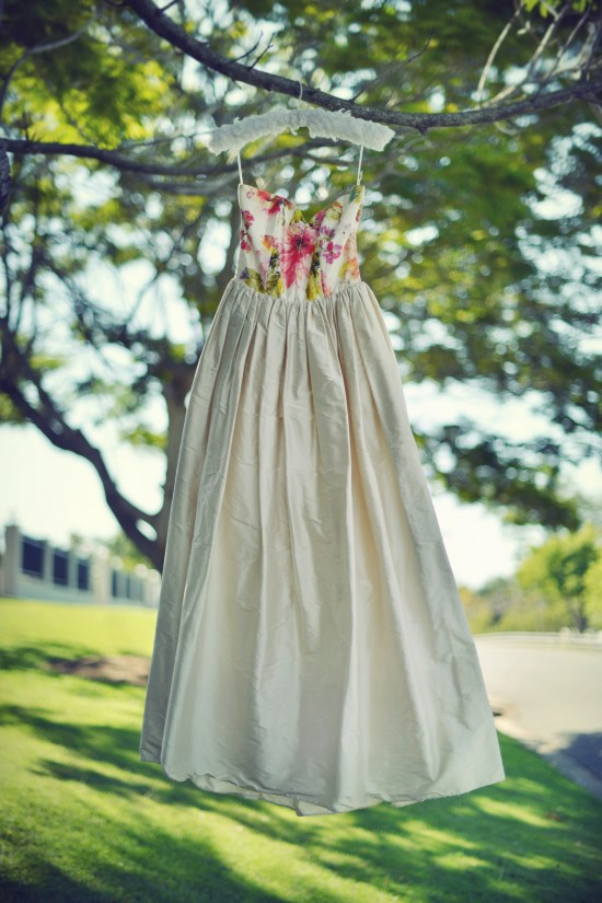 MHP 5312a 550x825 8 Tips To Make Getting Dressed On Your Wedding Day A Breeze