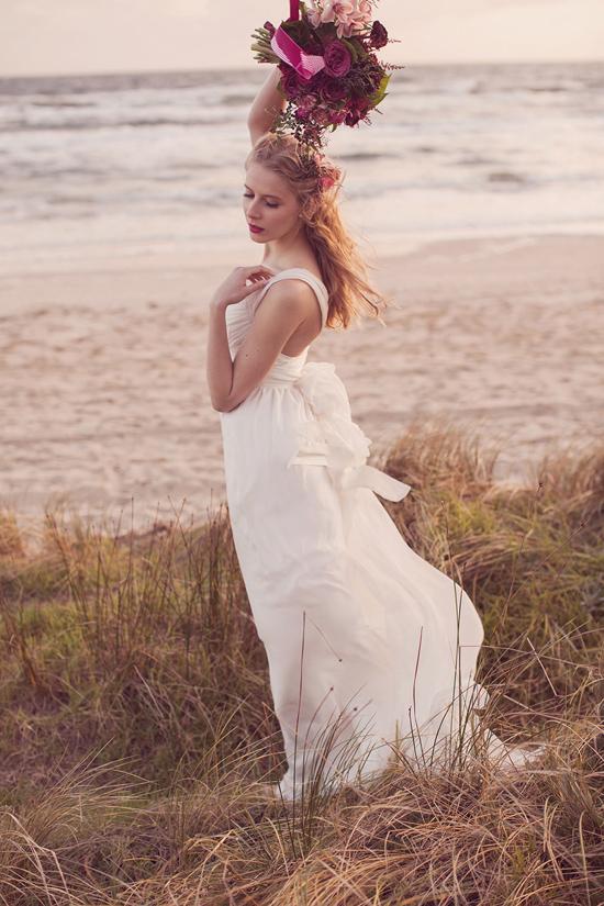 Luxe Beach Wedding Inspiration0039 Luxe Vintage Beach Wedding Inspiration