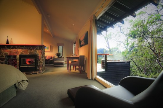 Peppers Cradle Mountain Lodge King Billy Suite2 550x366 Wilderness Honeymoon Experience Cradle Mountain Tasmania