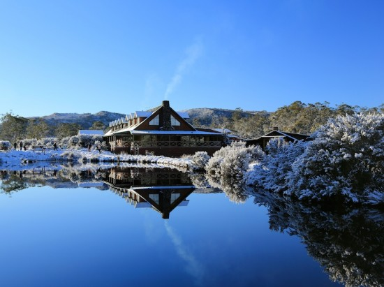 Peppers Cradle Mountain Lodge Lodge in winter 550x411 Wilderness Honeymoon Experience Cradle Mountain Tasmania