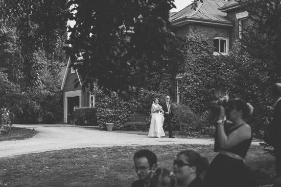 hearfelt garden wedding0045