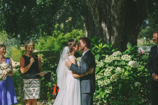 hearfelt garden wedding0070