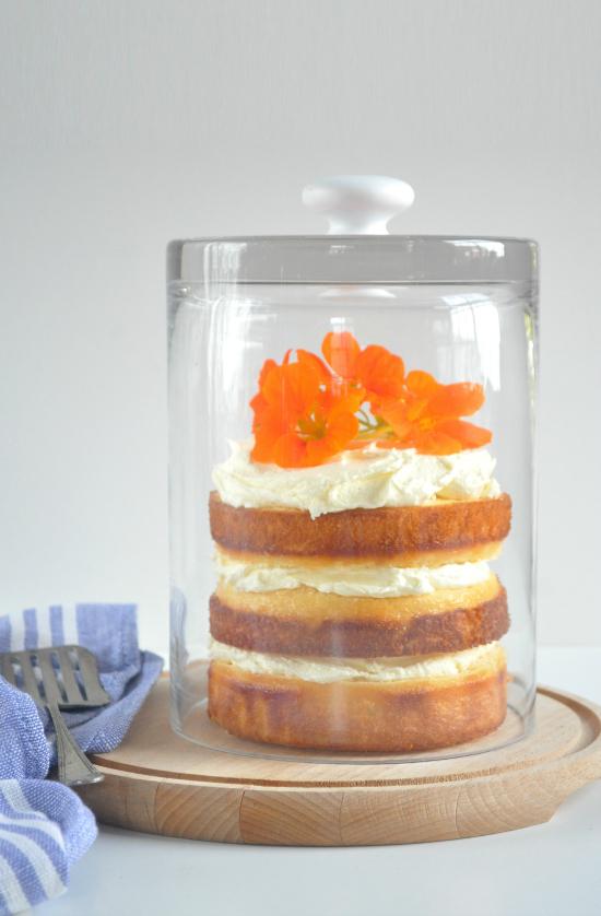 homemade cloche3 DIY Glass Cake Cover