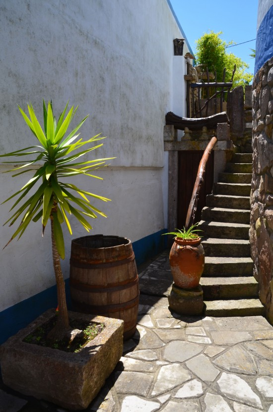 p9 550x830 Honeymoon In Portugal Almoçageme Windmill