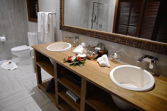Nautilus Resort Bathroom 2