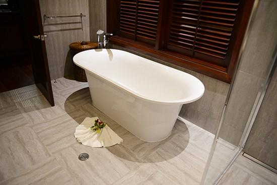 Nautlius Resort Bathroom