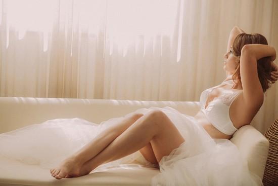 romantic bridal boudoir shoot0034