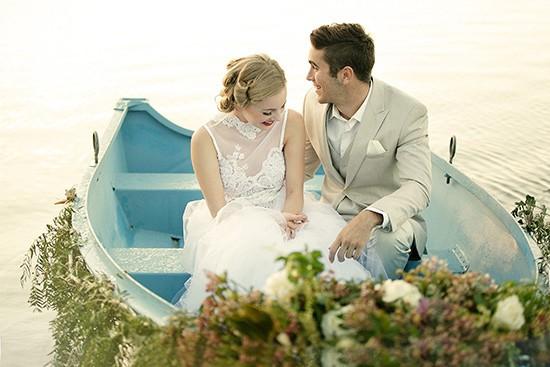 vintage rowboat wedding inspiration0019
