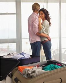 Couple-on-honeymoon2-550x683