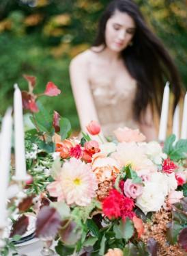 autumn toned wedding flowers