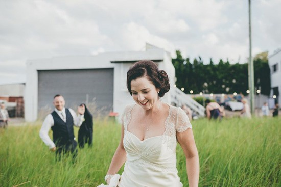 bride with lace cap sleeves