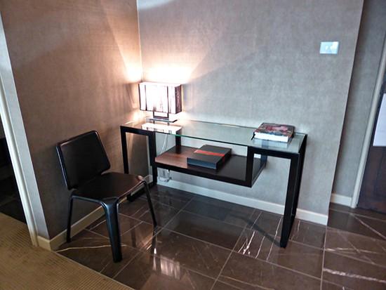 grand hyatt amabssador suite foyer
