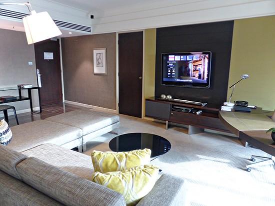 grand hyatt ambassador suite lounge room