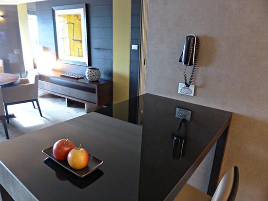 grand hyatt ambsassdor suite kitchen