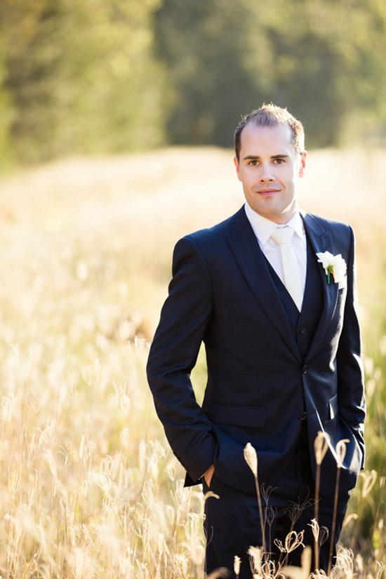 hunter valley groom photo