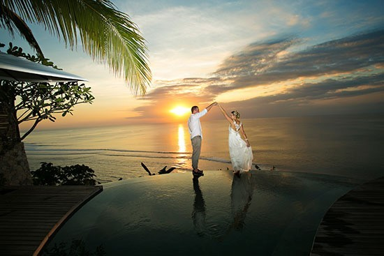 Bali-dancing-wedding-photo-550x367