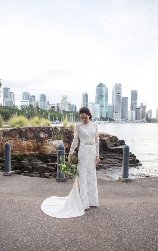Bride aginast brisbane cityscape