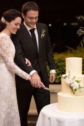 Brisbane newlyweds cutting cake