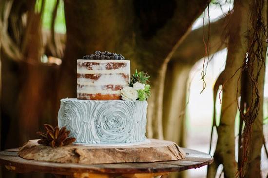 Seaside inspired wedding cake