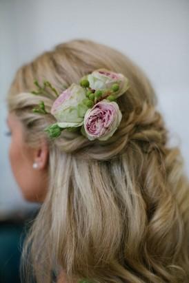 cabbage roses wedding haistyle