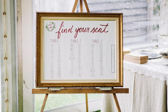 seating chart with marsala colour