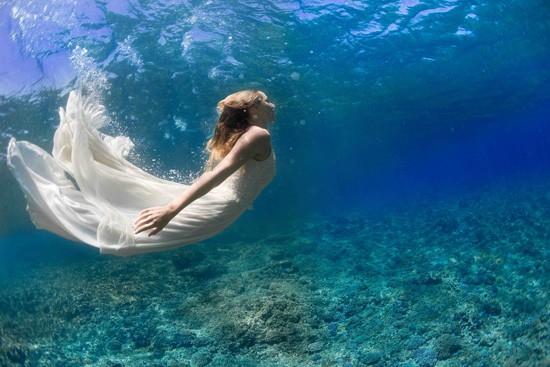 underwater wedding photos0007