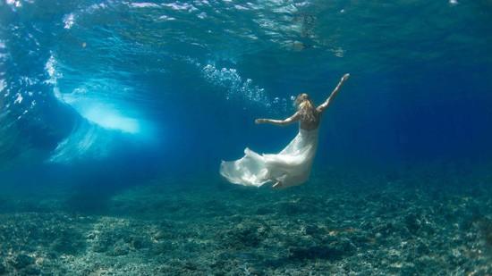 underwater wedding photos0008