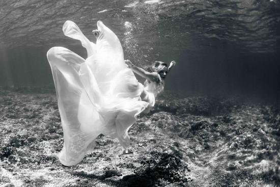 underwater wedding photos0009
