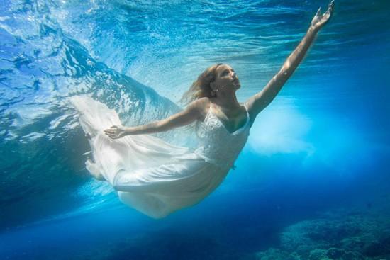 underwater wedding photos0013