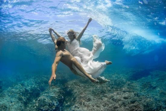 underwater wedding photos0019