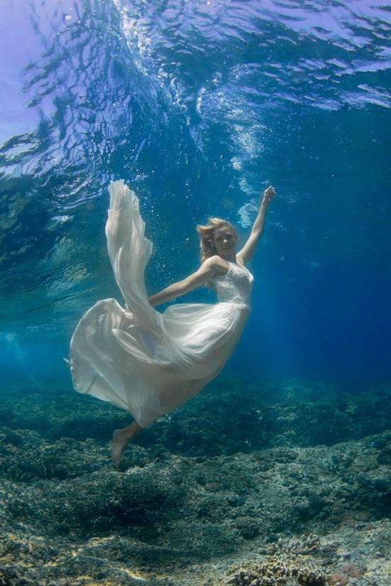 underwater wedding photos0021