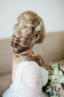Bride with loose braid