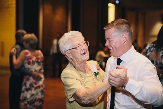 Grandparets dancing at wedding