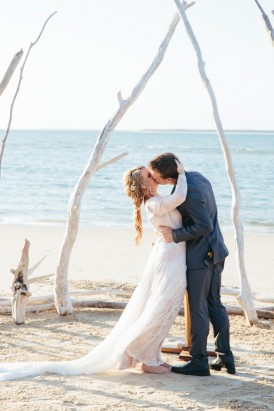 Kissing at  Stradbroke Island Wedding