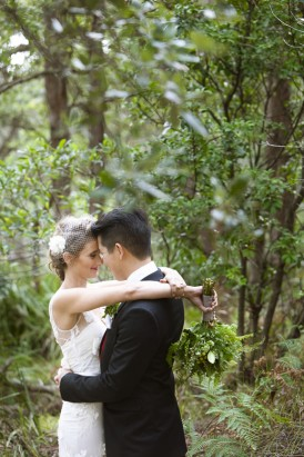 Sydney bushland bride and groom