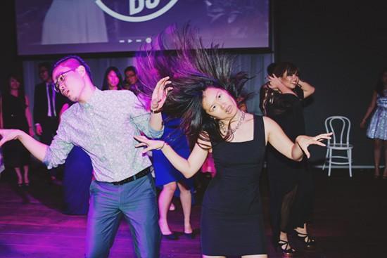 Synchrosied wedding dance