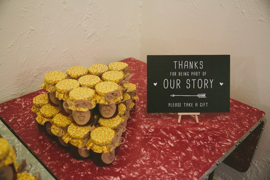 Wedding favors with sign