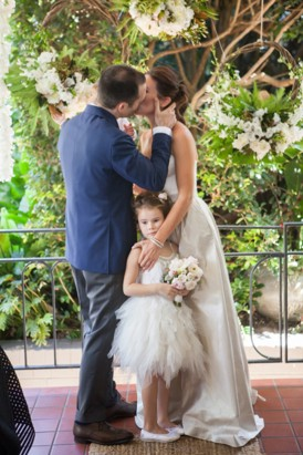 First kiss with flowergirl
