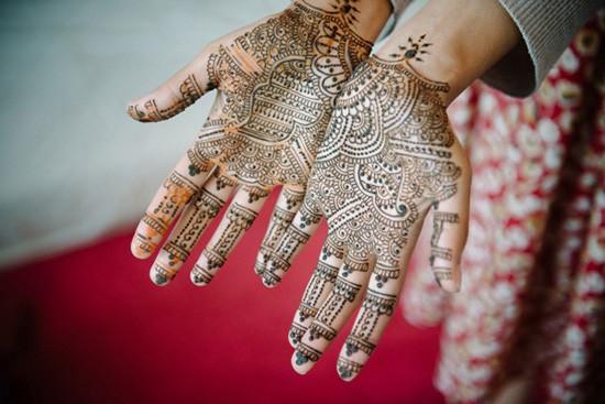 Henna weddng hands