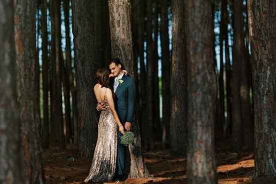 Newlyweds in forestq
