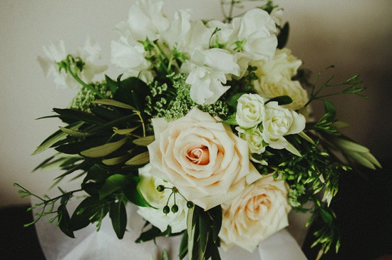 Peach rose bouquet with white