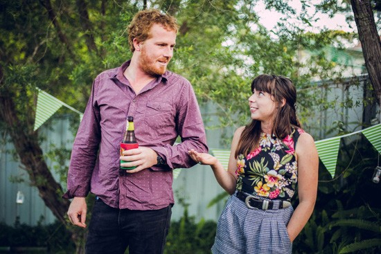 Relaxed garden engagement party02