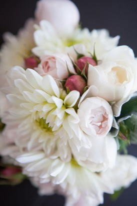 White dahlia and pink buds boueuet