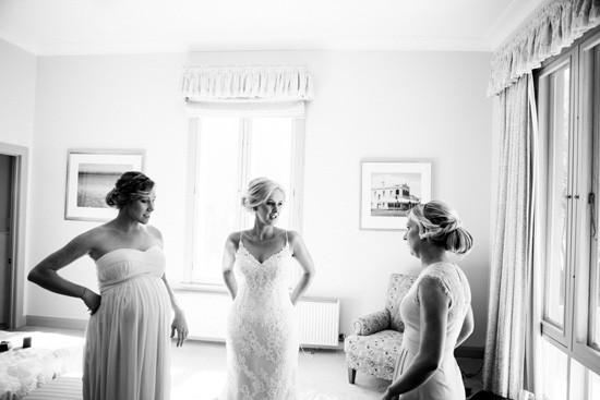 Bride with bridesmaids before wedding