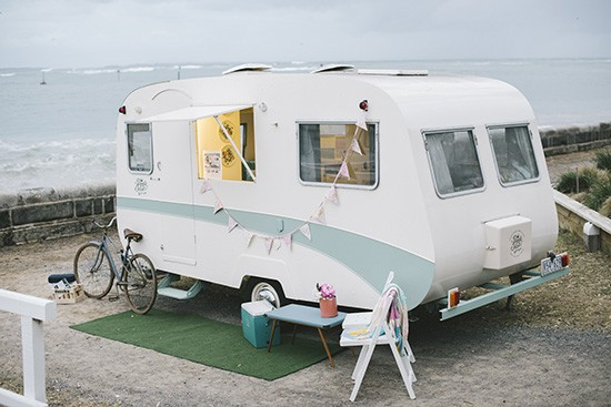 Carvan bar for weddings