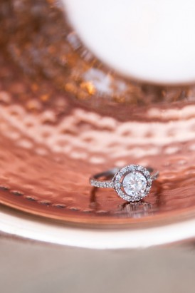 Halo brilliant engagement ring