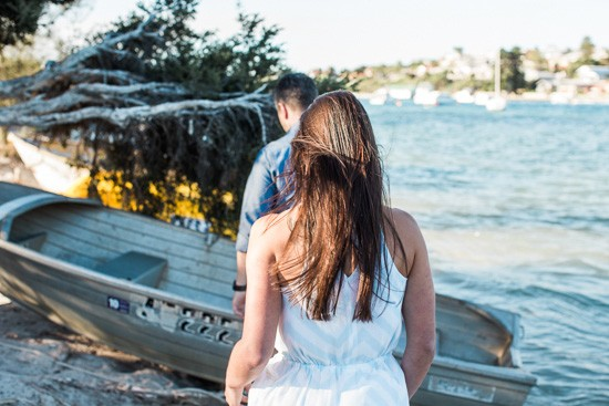 Romantic waterside engagement018