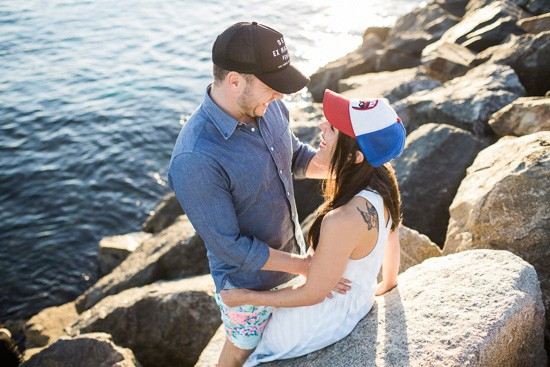 Romantic waterside engagement075