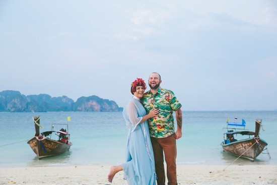 whimsical-thailand-engagement-photos0015-550x367