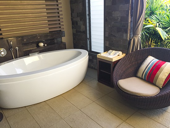 Intercontinental Fiji Club Level Bath